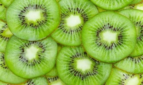 Πέντε φρούτα που μας λύνουν πέντε προβλήματα υγείας