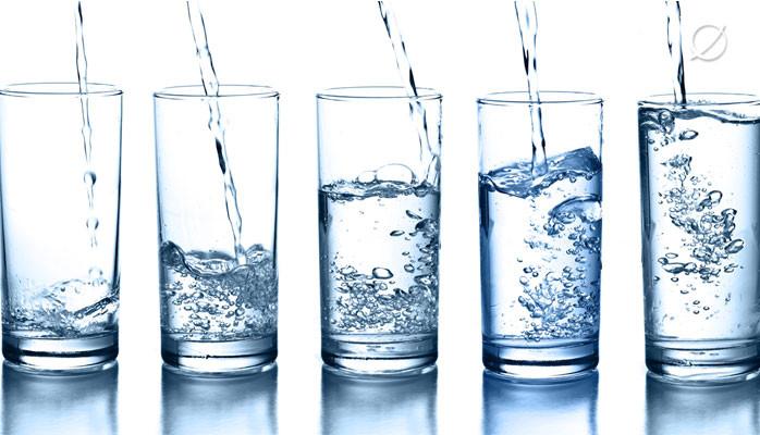 Γιατί πρέπει να πίνουμε νερό;