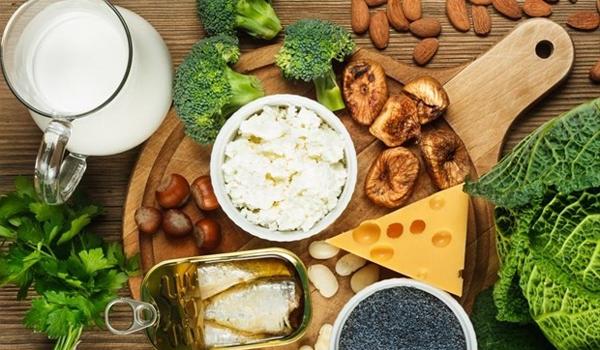 Διατροφή για γερά οστά: ποιοι παράγοντες επηρεάζουν την απορρόφηση ασβεστίου;