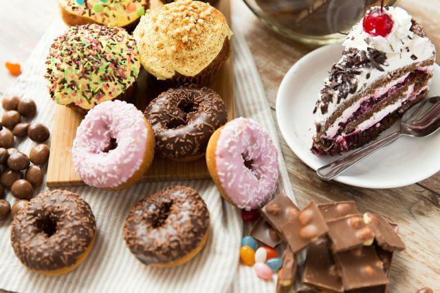 Λιπαρά και ζάχαρη βραχυκυκλώνουν το μυαλό