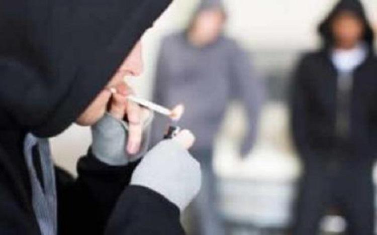 Τι δείχνει μελέτη για όσους ανακατεύουν την κάνναβη με καπνό