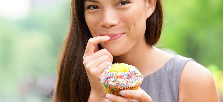 """Διατροφή: 4 τρικ για να """"ξεγελάσουμε"""" το μυαλό μας"""