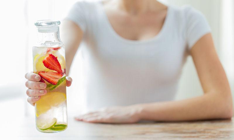 Αποτοξίνωση & επιδερμίδα: Τρεις διατροφικοί κανόνες για άμεσα αποτελέσματα