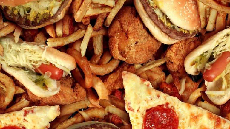 Οι 13 πιο εθιστικές ανθυγιεινές τροφές