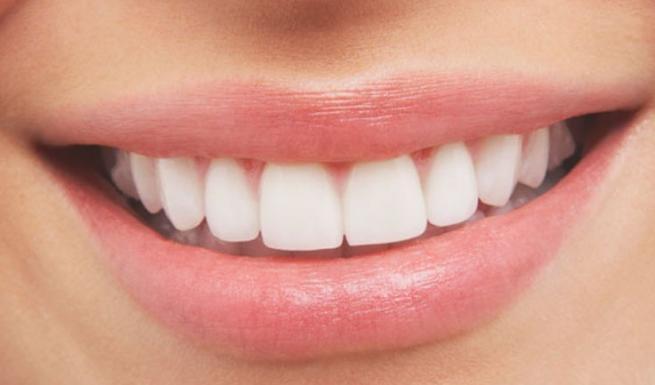 Οι αισθητικές παρεμβάσεις και η φροντίδα για τα δόντια