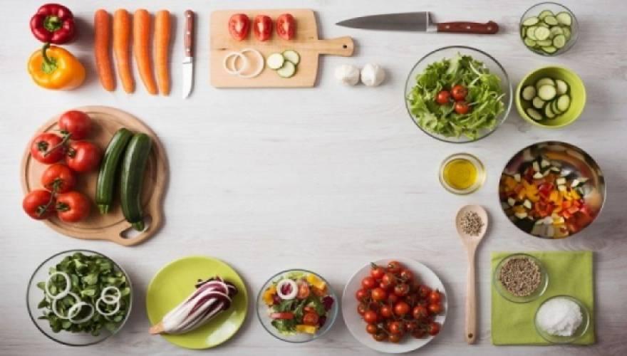 Οι τέσσερις κορυφαίες αντιφλεγμονώδεις τροφές
