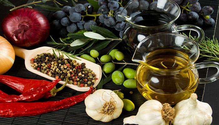 9 λόγοι για να μείνετε πιστοί στη μεσογειακή διατροφή