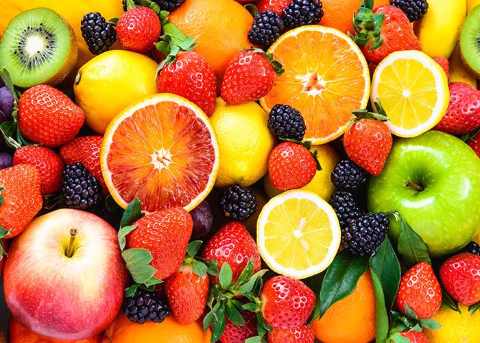Αυτά είναι τα φρούτα που θα σας απαλλάξουν από τα περιττά κιλά