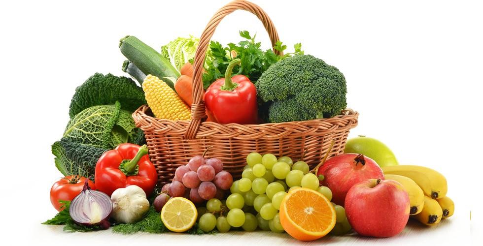 Η λίστα με τα 10 φρούτα που είναι σίγουρα ραντισμένα