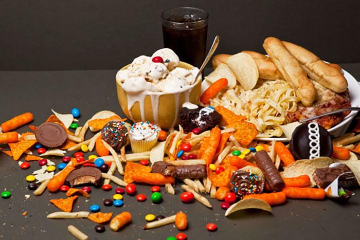 Τι είναι ο εθισμός στο φαγητό και ποιες είναι οι πιο εθιστικές τροφές