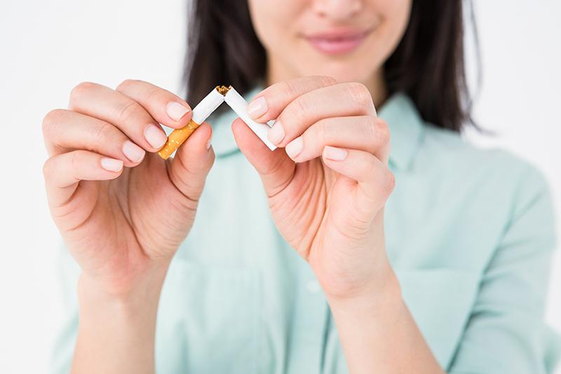 Η στέβια μας βοηθάει πέρα από το να χάσουμε βάρος και στο κόψιμο του καπνίσματος