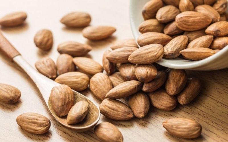 Συμπεριλάβετε 12 αμύγδαλα στην διατροφή σας καθημερινά