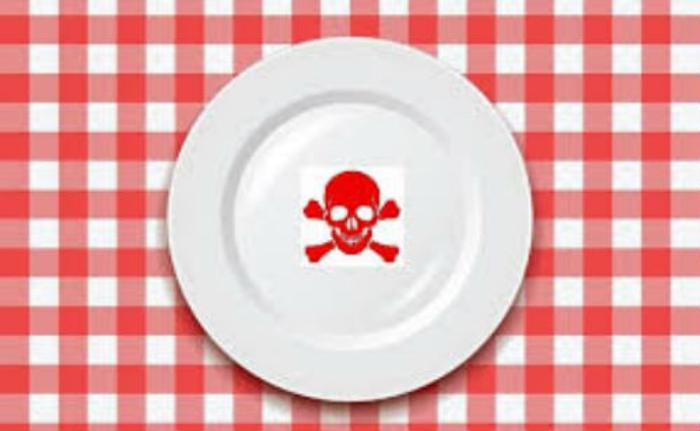 Αυτές είναι οι 10 πιο καρκινογόνες τροφές που βρίσκονται στην αγορά.