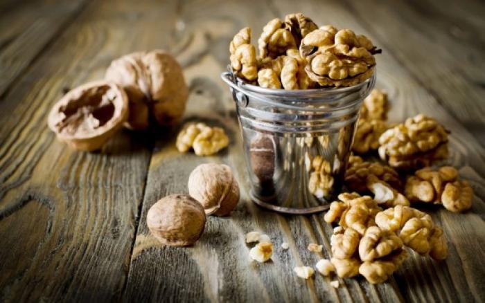 Νέες έρευνες συνδέουν την κατανάλωση καρυδιών με την καλή υγεία της καρδίας.