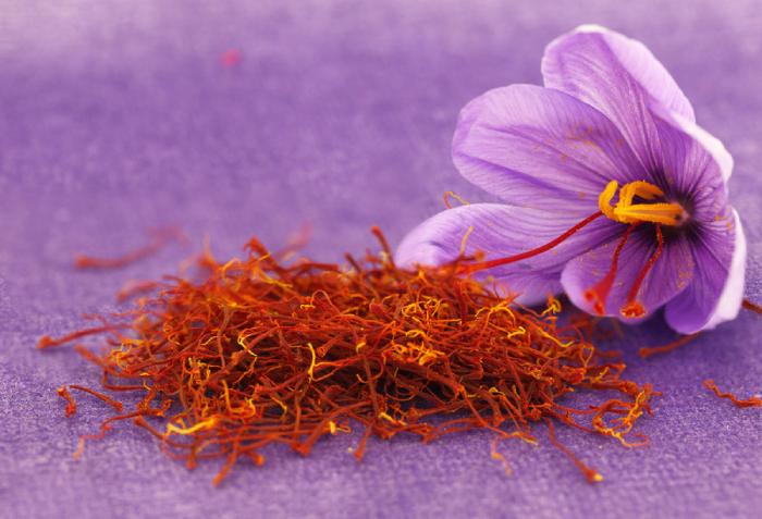 Κρόκος Κοζάνης: Ένα θαυματουργό βότανο που χαρίζει πολλαπλά οφέλη στην υγεία.